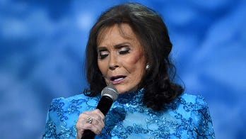Loretta Lynn declares country music is 'dead': 'I'm getting mad about it'
