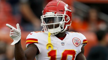 Fan who threw beer on Kansas City Chiefs receiver Tyreek Hill should be prosecuted, agent says