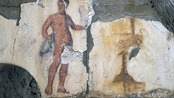 Naked servant painting revealed in newly-discovered ancient tomb mural