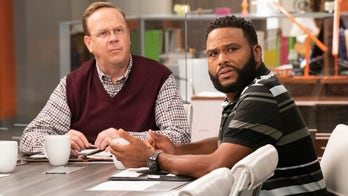 'Black-ish' star Peter Mackenzie on his role as an oblivious racist, show's ability to spark conversation