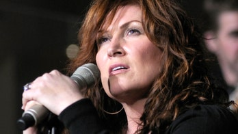 Jo Dee Messina letting God 'take charge' in cancer battle