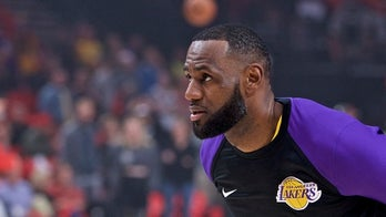 LeBron James leaves Lakers-Warriors game with groin injury; will undergo MRI