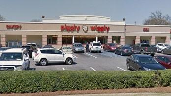 Alabama supermarket employee returns wallet with $300 cash, goes viral