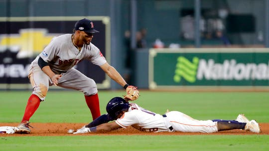 Red Sox take 3-1 lead thanks to overturned home run