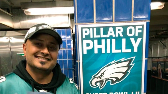 Philadelphia Eagles fan who crashed into pole scores tickets to London game: report