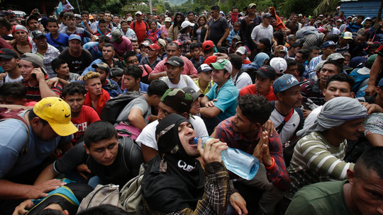 Honduran migrant caravan arrives at Guatemala border