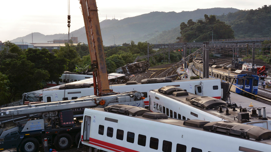 Taiwan court: Excessive speed caused deadly train derailment