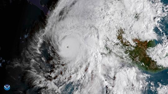 Dangerous Cat 4 Hurricane Willa closes in on Mexico coast