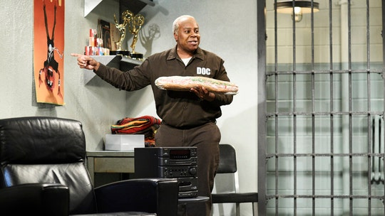 'Saturday Night Live' takes aim at Bill Cosby's time in prison