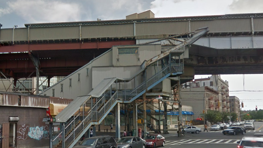 New York City man strangled to death after shirt gets stuck in subway escalator