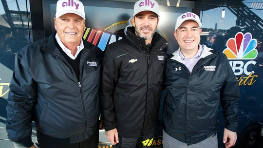 Jimmie Johnson signs two-year sponsorship deal with Ally Financial