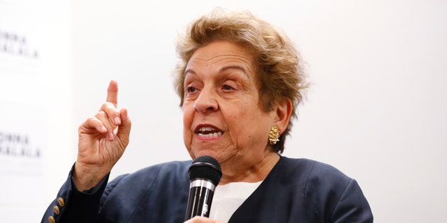 "Congressional hopeful Donna Shalala came under fire when her campaign promoted an event with Rep. Barbara Lee, who has praised the late Cuban dictator Fidel Castro.<br data-cke-eol=""1"">"