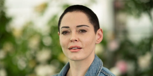 Rose McGowan is standing by Lindsey Boylan, the former deputy secretary and special adviser to New York Gov. Andrew Cuomo who accused him of sexual harassment.
