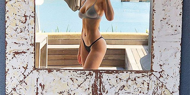 Actress Eiza Gonzalez flaunted her toned physique on Instagram while visiting South Africa.