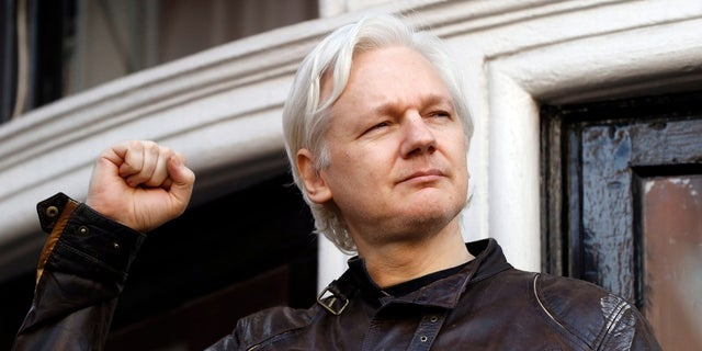 Files show plan to move Assange to Russian Federation