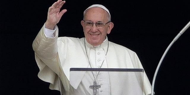 North Korean leader Kim Jong Un wants Pope Francis to visit Pyongyang.