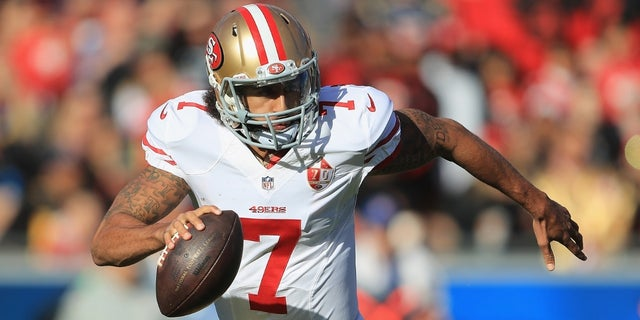 After omitting Colin Kaepernick from photo gallery, 49ers apologize