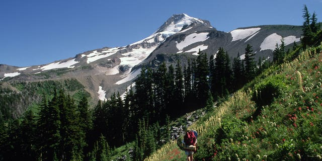 Researchers say active fault lines on Mount Hood could potentially trigger a 7.2 magnitude quake.
