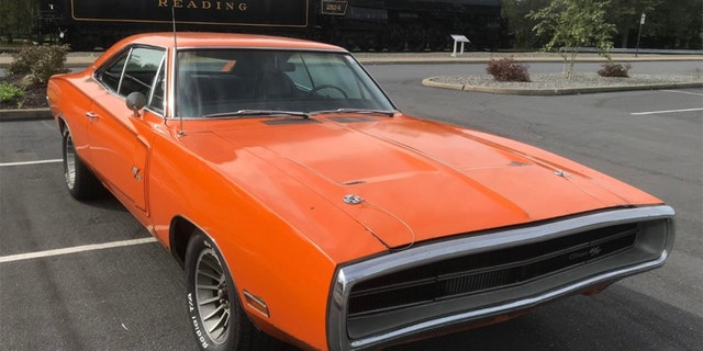 Go Mango Charger >> Rare Go Mango 1970 Dodge Charger 440 Six Pack Found In Barn After