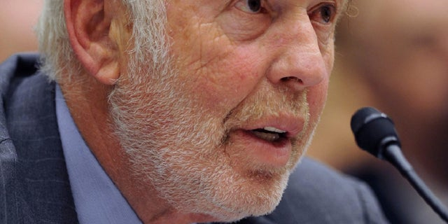 """Renaissance Technologies President James Simons testifies on Capitol Hill in Washington, Thursday, Nov. 13, 2008, before the House Oversight and Government Reform Committee hearing on """"Hedge Funds and the Financial Market"""". (AP Photo/Kevin Wolf)"""