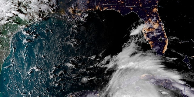 Hurricane Michael takes aim at Florida Panhandle, prompting evacuations