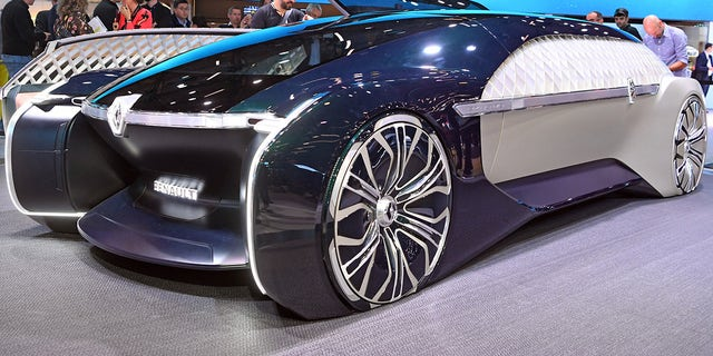 Renault Ez Ultimo Is An Uber Stylish Self Driving Car Concept Fox