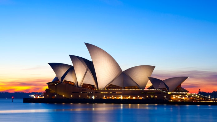 Sydney Opera House, Eiffel Tower, Great Wall of China ranked as 'tourist traps' on new list