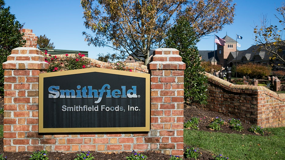 Smithfield Foods employee allegedly urinates on production line