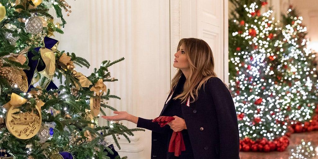 Melania Christmas Decorations.Melania Trump Brushes Off Christmas Decoration Critics I