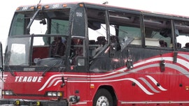 Mississippi bus crash leaves 2 dead, dozens wounded, authorities say