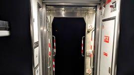 Amtrak train cars separate, stranding passengers for hours on Thanksgiving eve