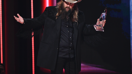 Chris Stapleton wins big at 2018 CMA Awards
