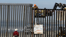 Migrants streaming into Tijuana, but now face long stay