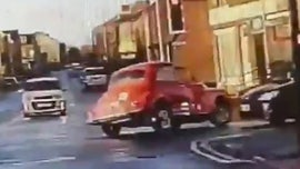 Classic car leads police on chase through town in wild video