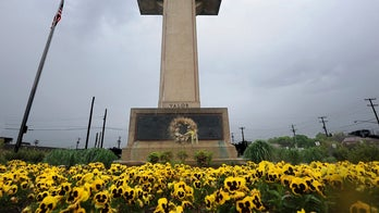 Todd Starnes: How do Americans really feel about war memorials (as atheists fight to tear them down)?