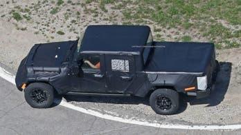 Jeep Gladiator pickup photos leaked