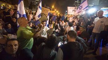 Netanyahu's main coalition partner pushes for early election