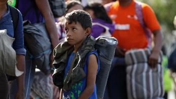 More caravan migrants arrive in Tijuana, brace for long stay
