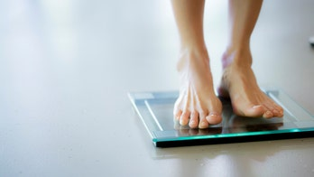 Trying to lose weight? Stepping on a scale each day could help, study finds