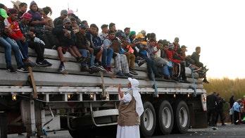 Caravan 'breakaway group' of several hundred migrants arrives at US border, officials say