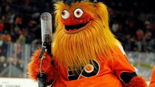 Philadelphia Flyers mascot Gritty surprises wedding party