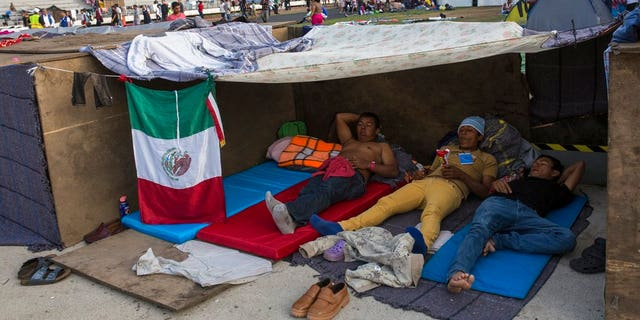 Central American migrants debate route to US border, options