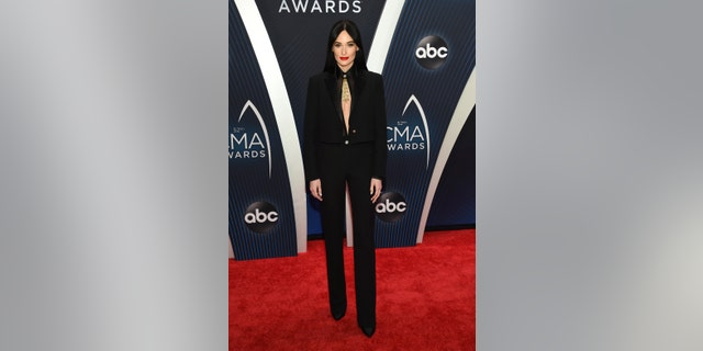 Kacey Musgraves attends the 2018 CMA Awards.