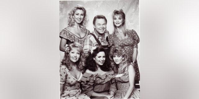 Roy Clark and the Hee Haw Honeys