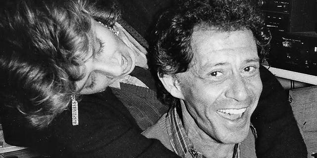 Joely Fisher with her father.