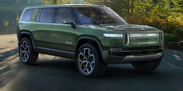 The Rivian R1S electric SUV is a very green off-road machine | Fox News
