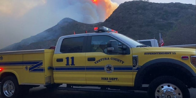 Two fireshave descended on areas of Ventura County late Thursday, forcing mandatory evacuations.