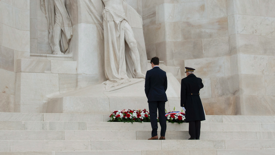 World leaders mark WW1 Armistice centenary in Paris