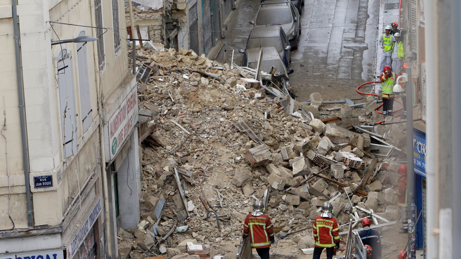 Buildings collapse in Marseille