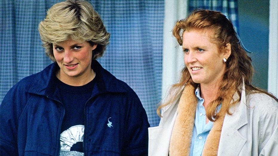 """莎拉·弗格森透露了戴安娜王妃对哈里王子和梅根·马克尔的""""脱欧""""的看法"""